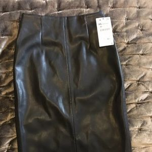 Zara Black Leather Effect Black Pencil Skirt SZ M